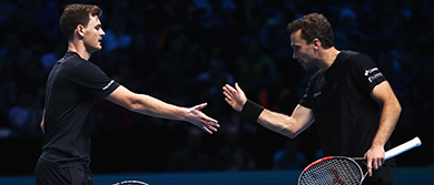 Jamie Murray and Bruno Soares in action at the 2017 Nitto ATP Finals